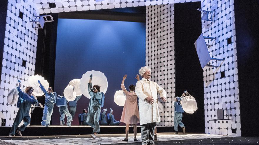 Video Modrý pták- trailer k inscenaci hry Maurice Maeterlincka ve Stavovském divadle
