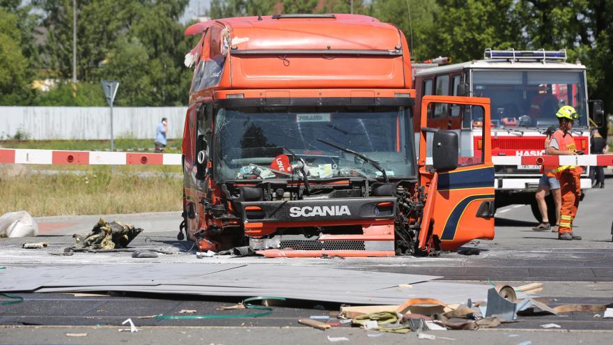 Video Záběry kamer zachycující srážku kamionu s pendolinem ve Studénce