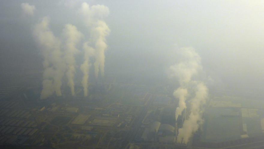 Video Zpravodajka ČT Šámalová: Většina Číňanů smogová opatření vítá