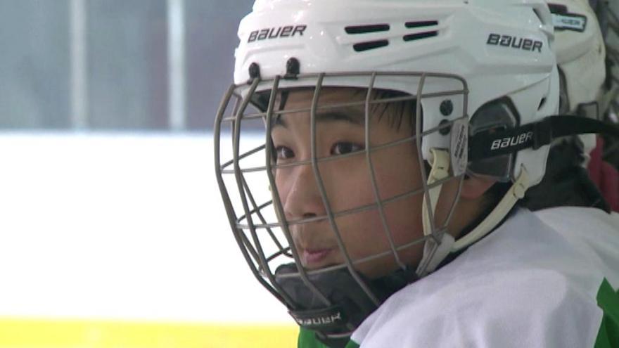 Video Události: Čínští hokejisté se připravují na olympijské hry ve vlasti