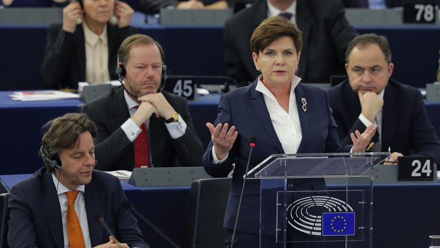 Video Polská premiérka v Evropském parlamentu