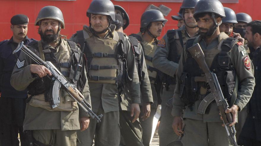 Video Taliban zabíjel v areálu pákistánské univerzity