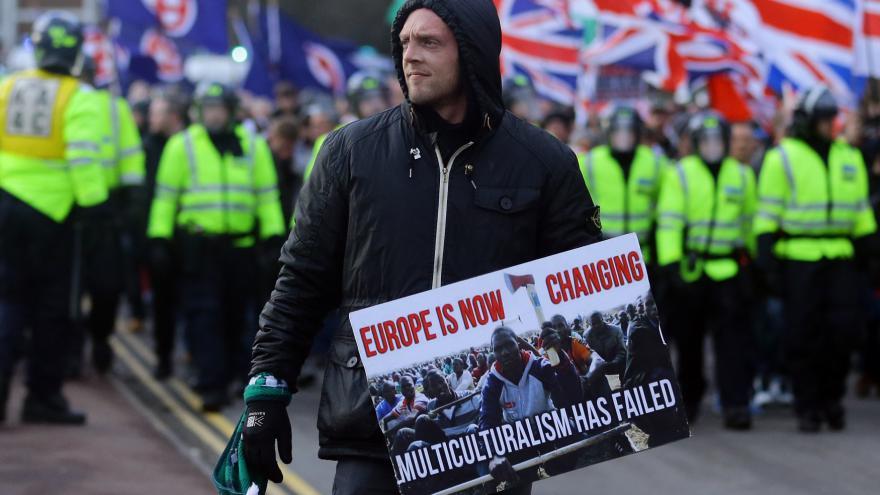 Video Spolupracovník ČT Kytka: Britská společnost je v otázce uprchlíků rozdělená