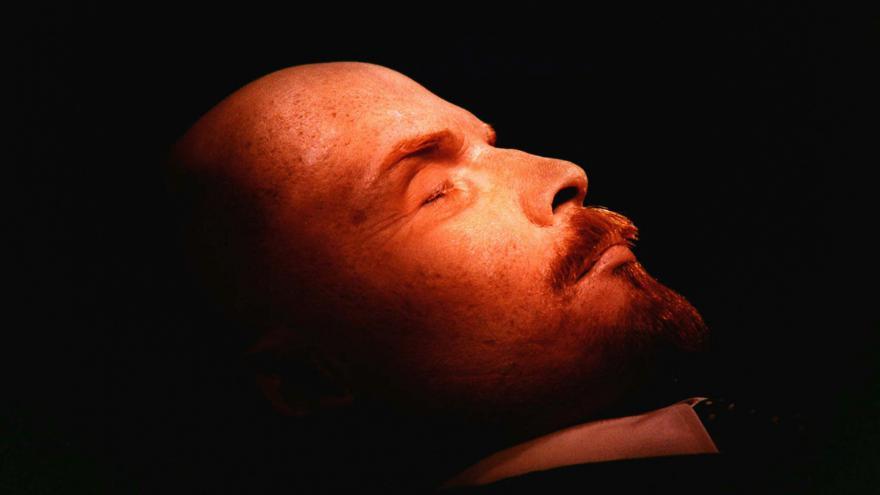Video Události: Nejistý osud ostatků ruského revolucionáře Lenina