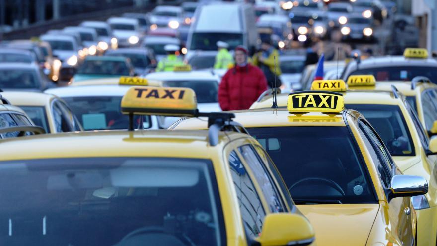 Video Primátorka Krnáčová k pražskému taxi
