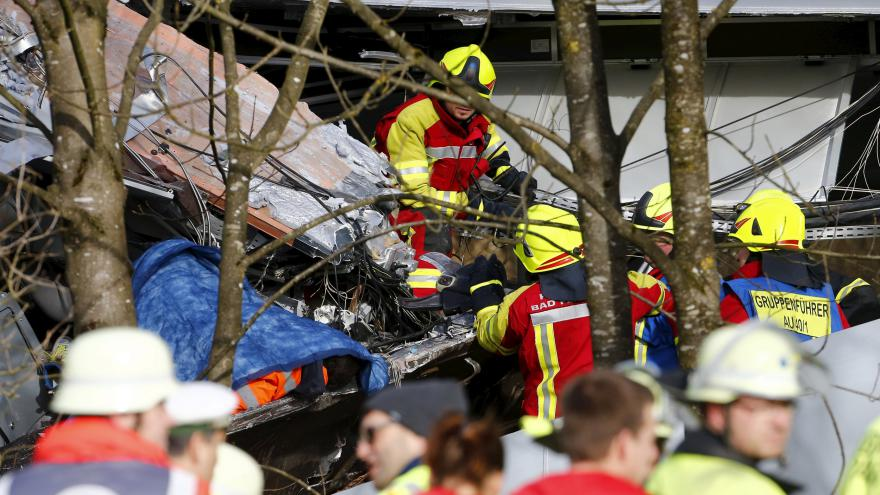 Video Tragédie v Bavorsku: Osm obětí po srážce vlaků