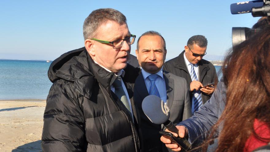 Video Zaorálek přislíbil Turkům 10 milionů, navštívil Izmir