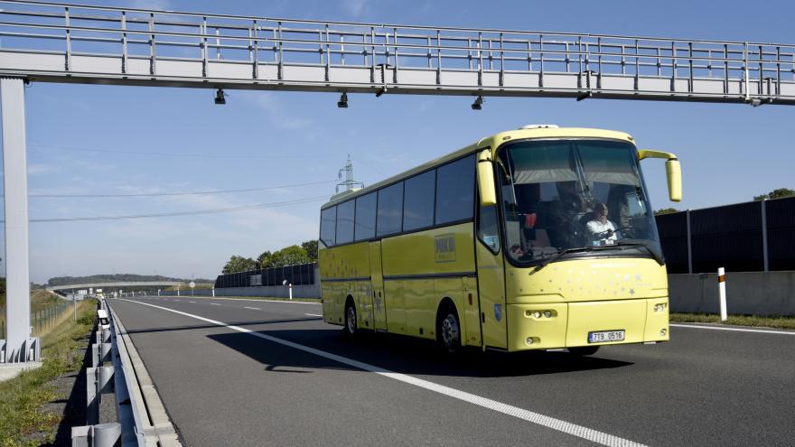 Video 90' ČT24 - Kdo bude vybírat mýto na dálnicích příští rok?