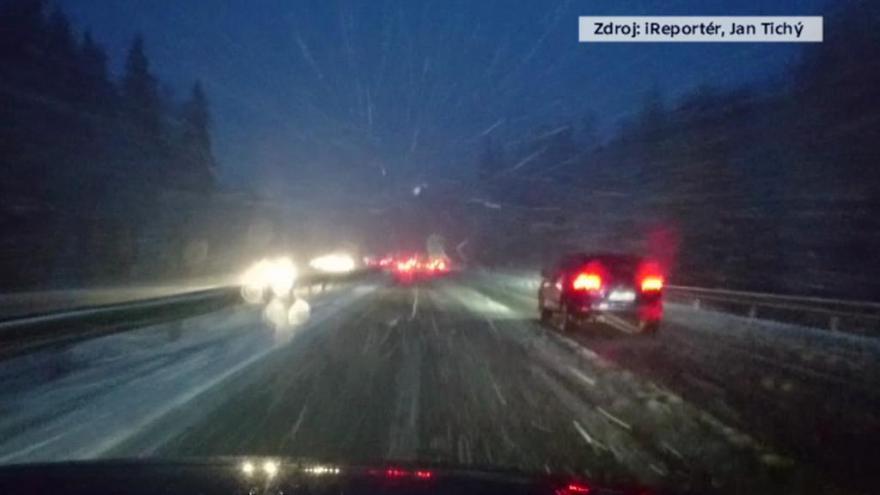 Video Videa diváků ČT24: Sníh na D1