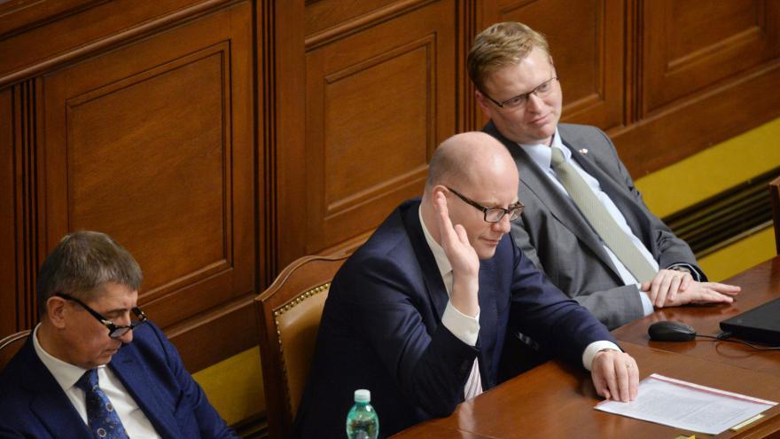 Video ŽIVĚ: Sněmovna projednává zadávání zakázek, školskou novelu i valorizaci penzí