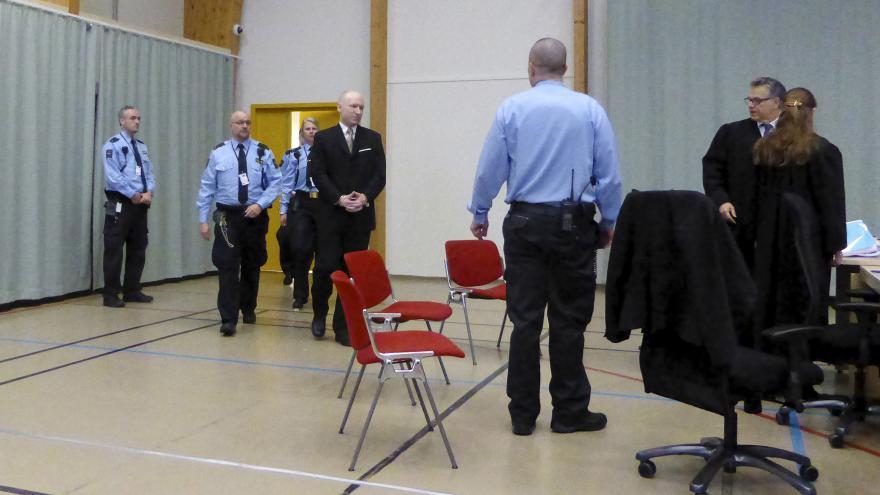 Video Spolupracovník ČT v Norsku k soudu ke stížnostem Breivika