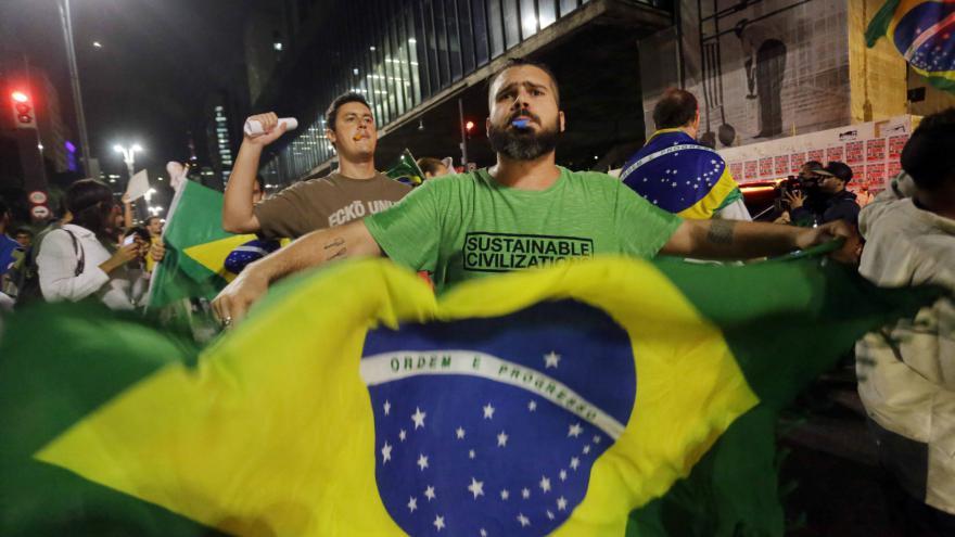 Video Události: Prezidentka epicentrem brazilské krize