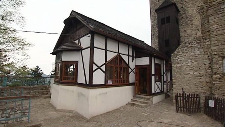 Video Jaroňkova útulna u hradu Štramberk má zpátky vzhled z roku 1925