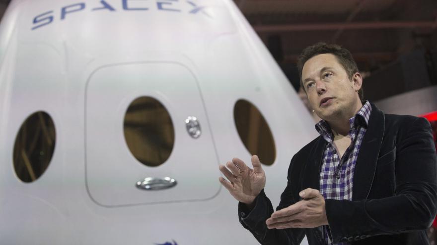 Video Musk chce dostat Dragona na Mars už v nejbližších letech