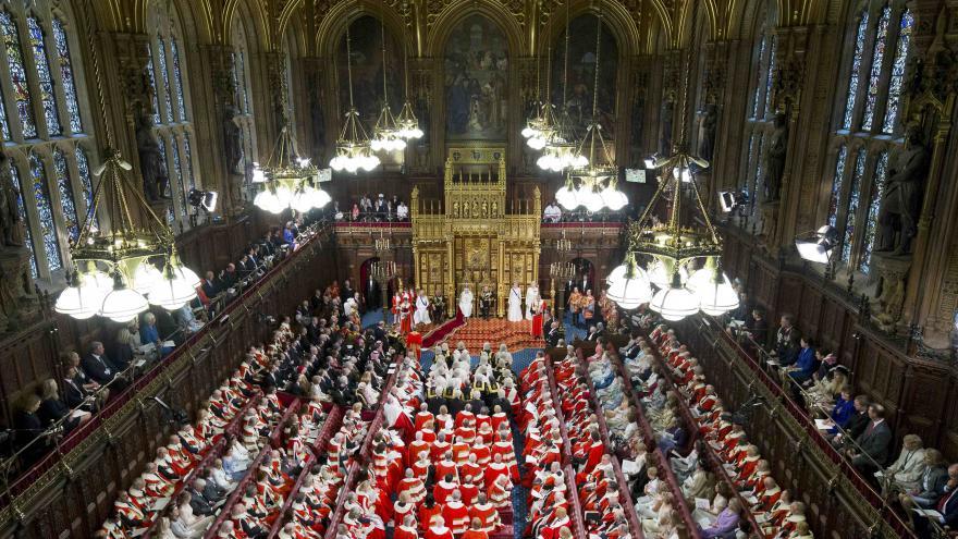 Video Alžběta II. představila program britské vlády
