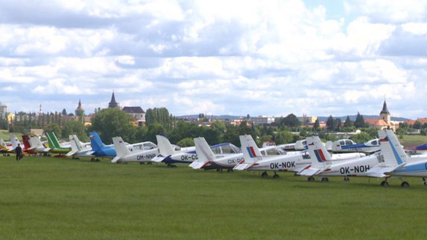 Video Přehlídka historických letounů v Jičíně