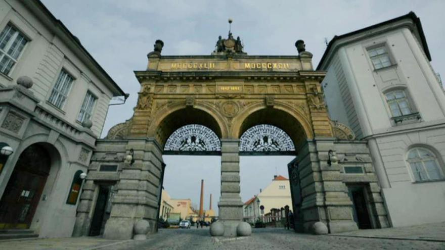 Video Témata Plzeňska: Málo míst pro penzisty i úložiště vyhořelého jádra
