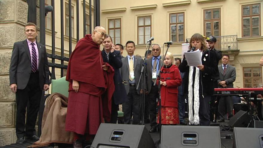 Video 90' ČT24 - Dalajlama v Praze