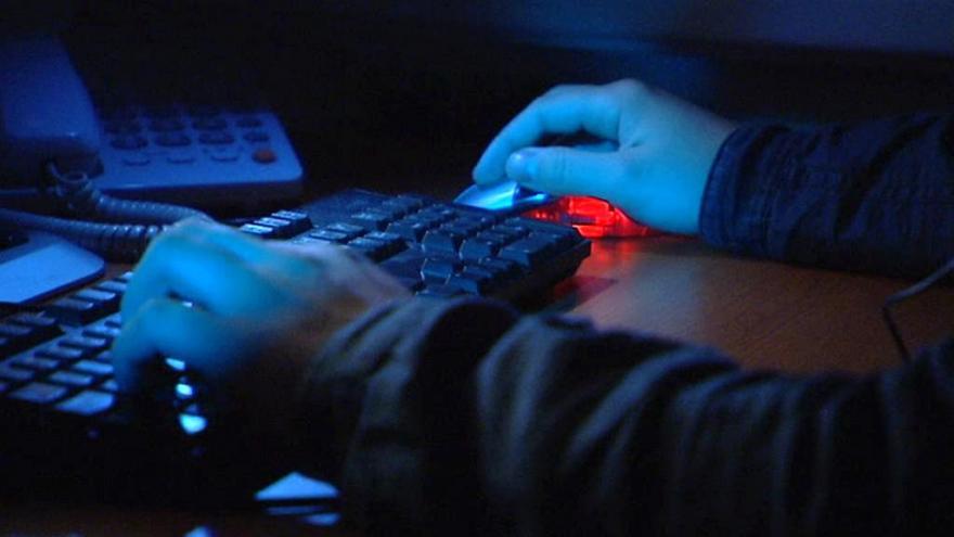 Video Události: Podnikatel tvrdí, že ho hackeři připravili o víc než půl milionu korun