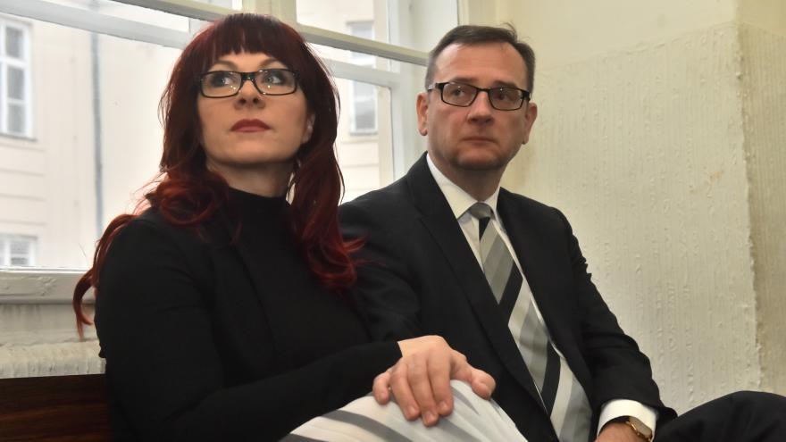Video Námitky opírají žalobci o kauzu Vojenského zpravodajství