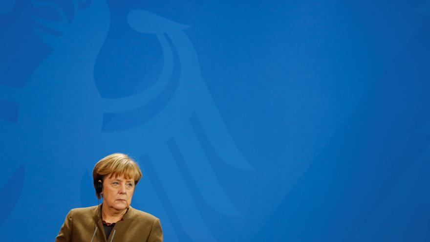 Video ŽIVĚ: Projev Merkelové po útoku v Berlíně