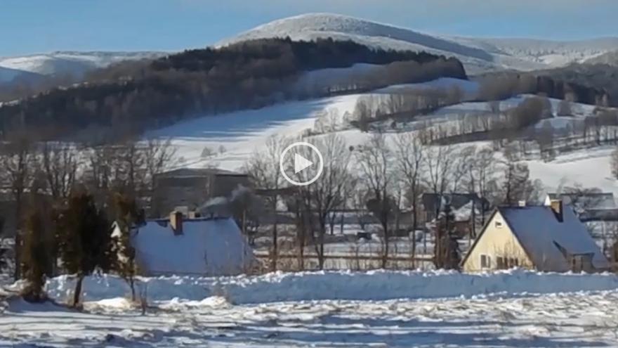 Video iReportérka Marie Rychlá: Pohled na zasněženou krajinu z Adolfovic v Jeseníkách (-13 °C)