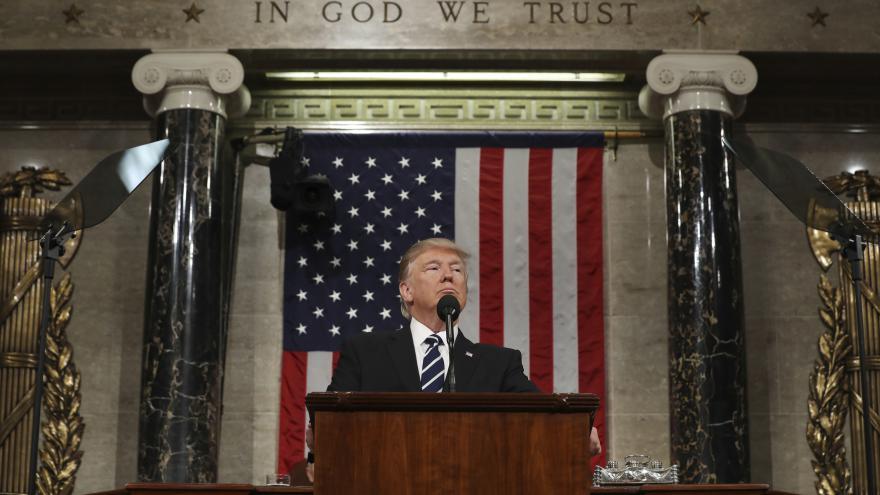 Video Trump poprvé v Kongresu: Slíbil porážku IS i stavbu zdi