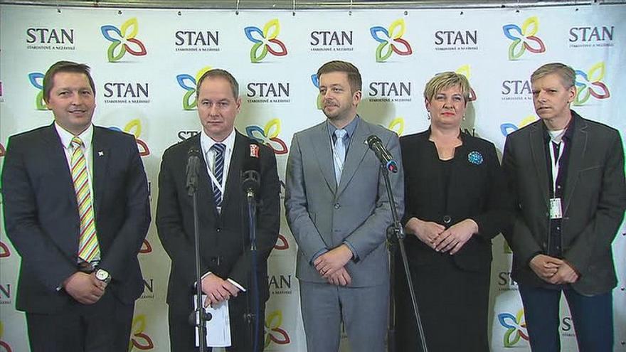 Video Brífink nového vedení hnutí STAN