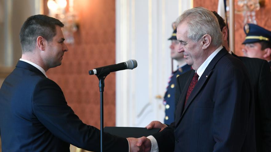 Video Zeman jmenoval Havlíčka ministrem průmyslu