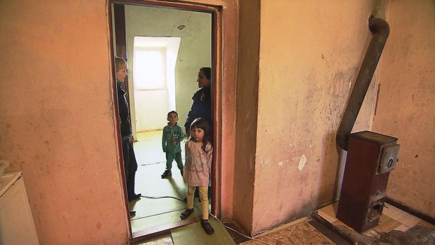 Video Reportéři ČT: Milionáři z ubytoven
