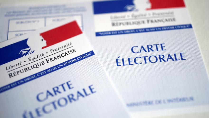 Video ŽIVĚ k francouzským volbám