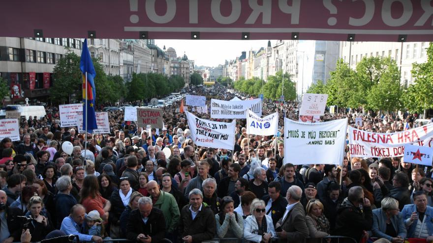 """Video ŽIVĚ: Demonstrace """"Proč? Proto!"""" na Václavském náměstí"""