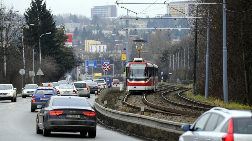 Video Řidiči o víkendu neprojedou Žabovřeskou