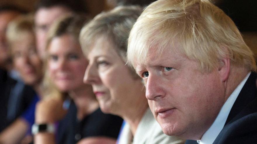 Video Publicista Jůn: Britové nevědí, za čím se sjednotit