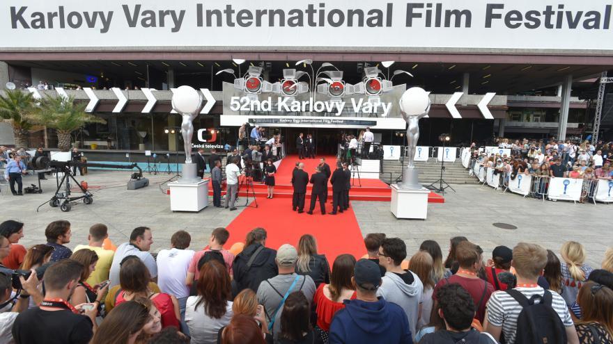 Video ŽIVĚ: Zahájení 52. ročníku MFF KV