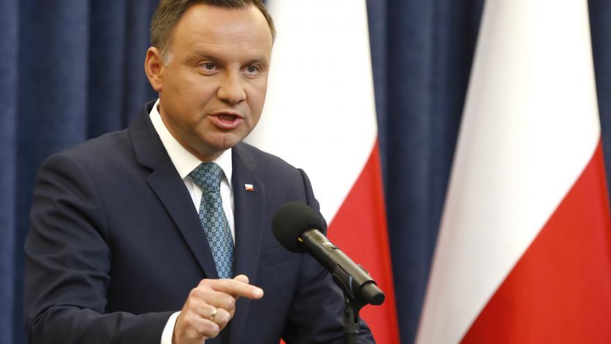 Video ŽIVĚ: Tisková konference polského prezidenta Dudy