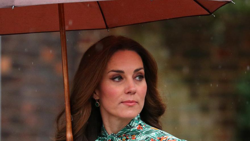 Video Horizont ČT24: Manželka britského prince Williama Kate porodila chlapce