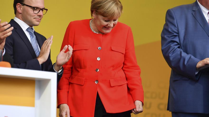 Video ŽIVĚ: Kancléřka Merkelová hodnotí volební výsledek