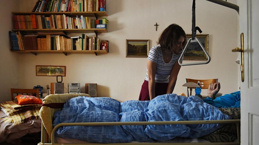 Video Lidé chtějí umírat ve své posteli, říká zakladatelka oceněného hospicu
