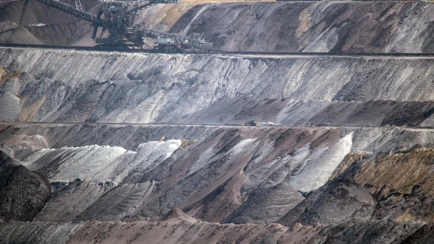 Video Klimatolog Ač: většina zásob fosilních paliv musí zůstat nevytěžena