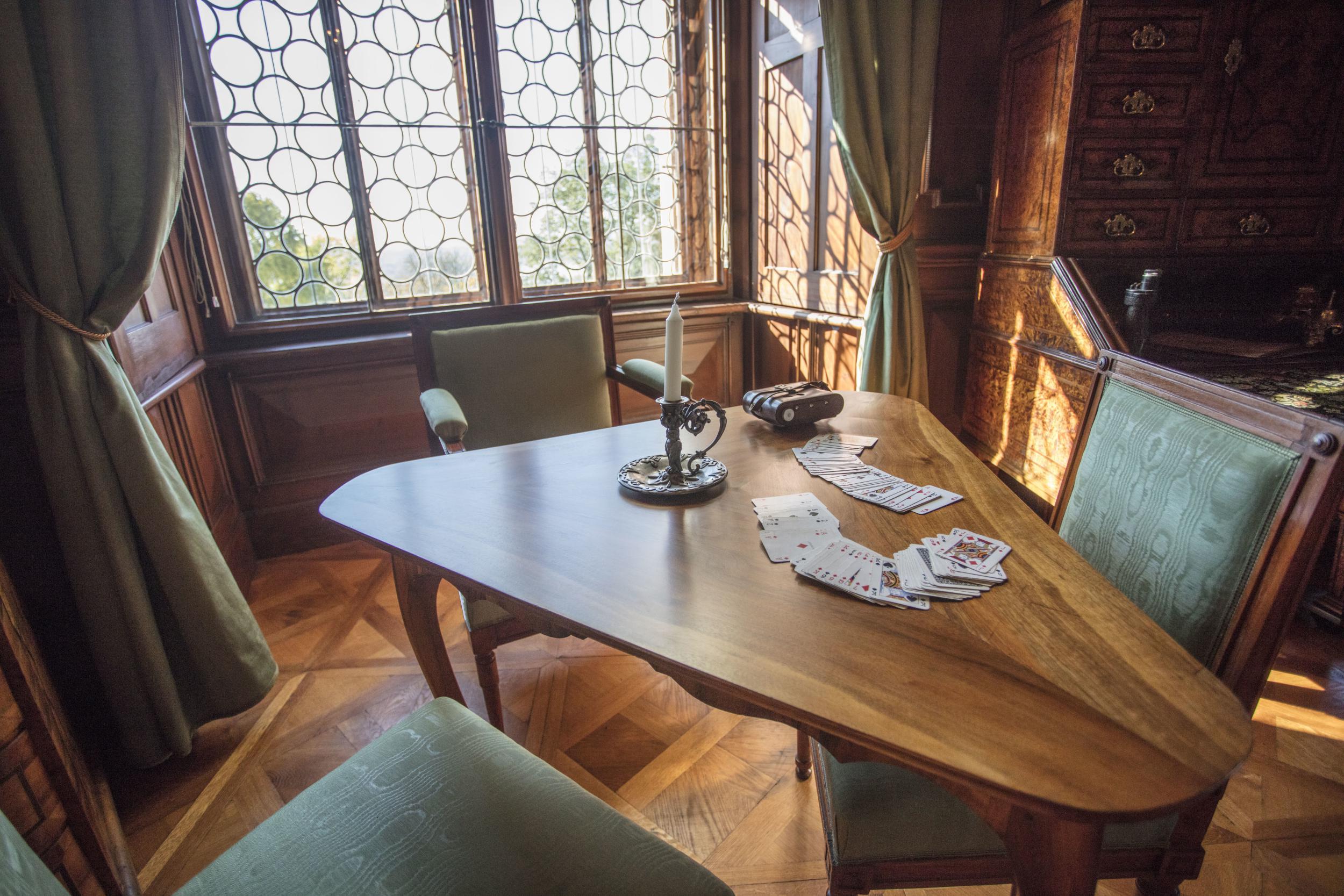 Video Návštěvníci zámku Hluboká poprvé nahlédli do Hostinských pokojů