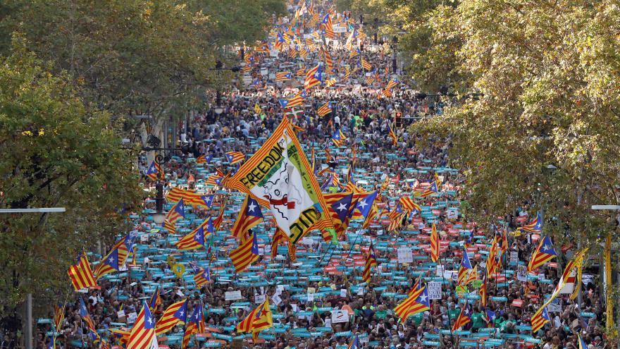 Video Vedení Katalánska považuje omezení autonomie za převrat