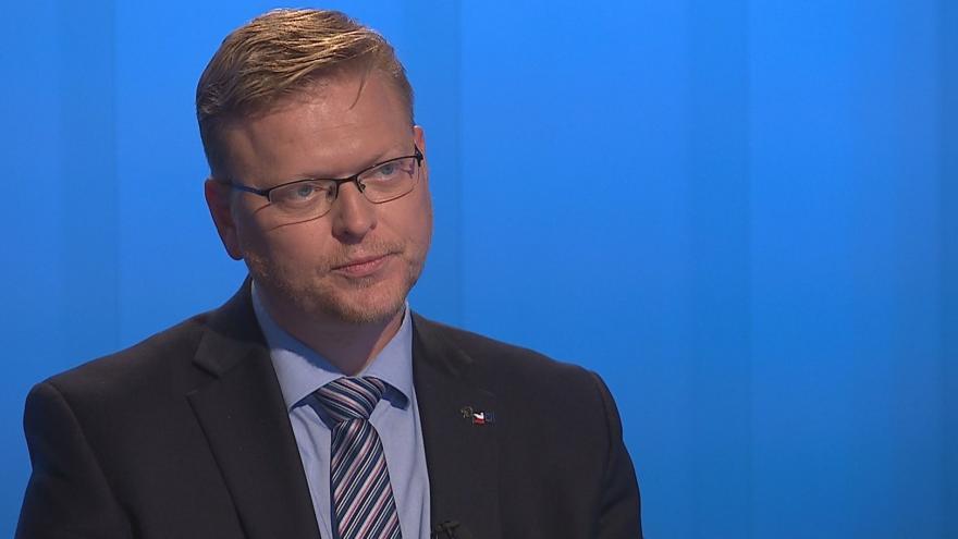 Video 90' ČT24 - Vyjednávání o složení sněmovny a vlády