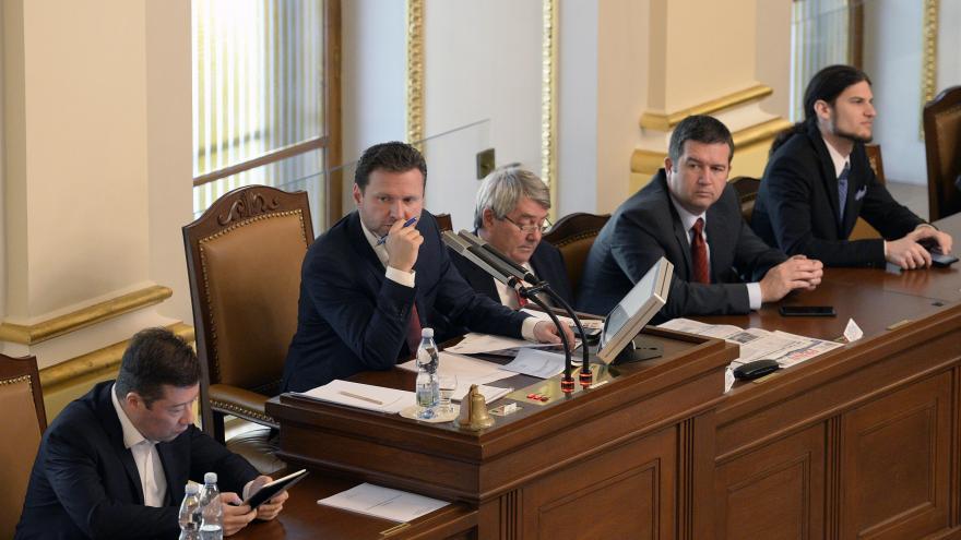 Video Zástupci většiny stran odmítají menšinovou vládu podpořit