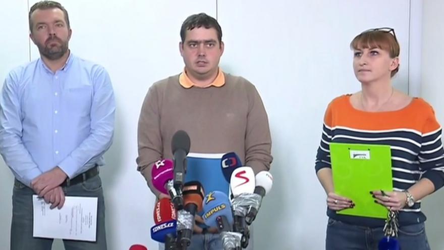 Video Vyšetřování pádu lávky v pražské Troji
