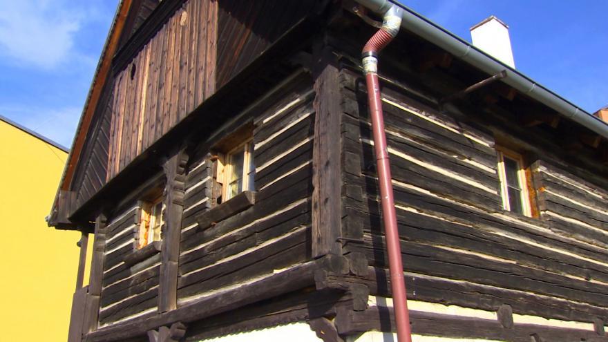Video Litoměřická radnice kupuje roubenku ze sídliště POkratice
