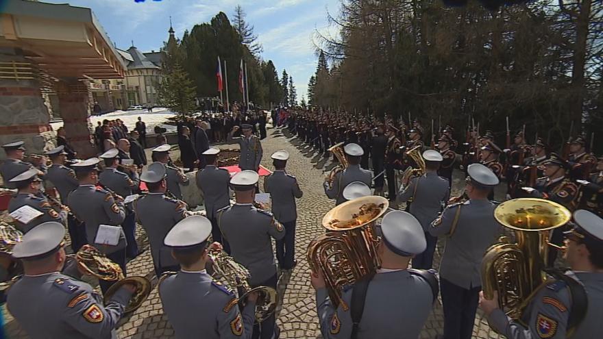 Video Uvítací ceremoniál při příležitosti návštěvy prezidenta Zemana na Slovensku