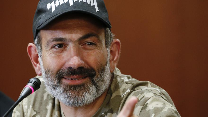 Video Vůdce arménských protestů Pašinjan chce zůstat spojencem Ruska