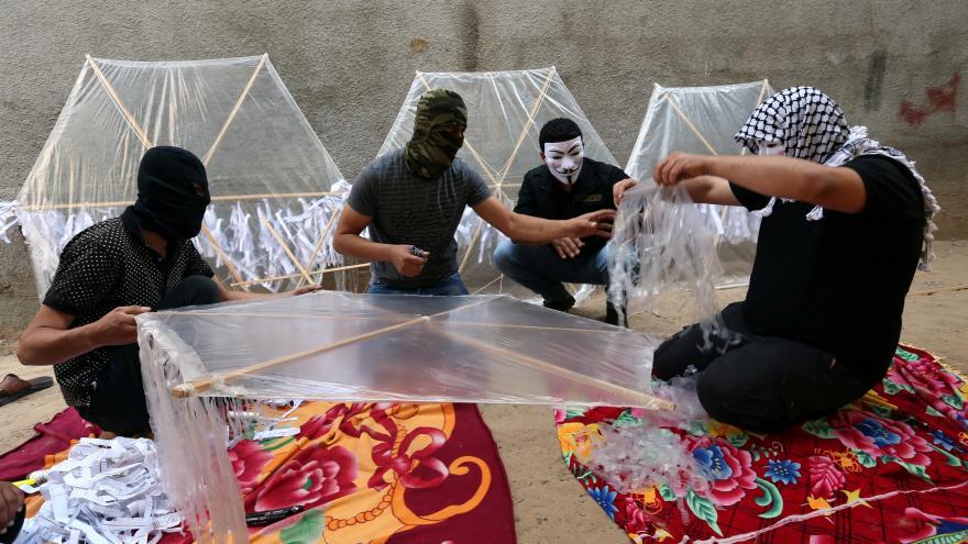 Video Události ČT: Stovky palestinských hořících draků zapalují Izraelcům pozemky