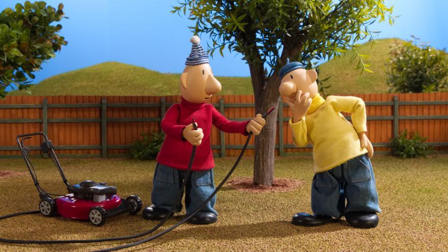 Video Pat a Mat instalují solární panel - Pat a Mat zase v akci